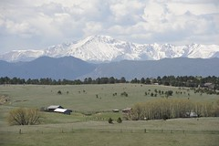 Pikes Peak near Colorado Springs (hannu & hannele) Tags: pikes peak colorado springs mountain frontrange scenery landscape beautiful snow farm farmland prairie nikon d700