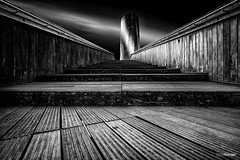 Tin (v.2.0) (Holger Glaab) Tags: bilbao bilbo bridge woodenbridge fineart fineartarchitecture architecture skyscraper longexposure travelphotography travel city urban bnw blackandwhite monochrome