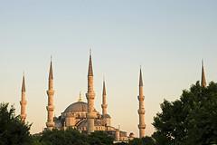 Istanbul (Turquie) / Istanbul (Turkey) (Joseff_K) Tags: istanbul turquie turkey constantinople türkiye mosquéebleue mosquéedusultanahmet mosquéesultanahmet sultanahmedmosque bluemosque ahmetcamii sultanahmetcamii