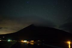 Slievemore (guillaumejulien35) Tags: irlande achill achillisland night stars sky mountain ireland slievemore dugort silver strand