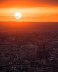 Coucher de soleil (second.paul) Tags: paris parisian sunset sky rooftops france urban sacrecoeur church architecture europe sun cloud parisien capital city toitsdeparis cityscape