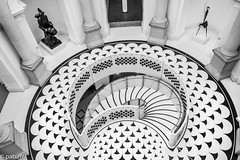 Stairways in Tate Britain (patuffel) Tags: stairway stairways black white bw tate britain museum entry hall rotunde england london leica 28mm summicron m10