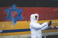 Jews can be Germans, too. 30th anniversary of the fall of the Berlin Wall, Friedrichshain. (joelschalit) Tags: berlin germany deutschland europe streetphotography documentary journalism photojournalism politics mauerfall30 pentax pentaxkp berlinwall jewish jews religion eastsidegallery friedrichshain
