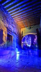 Marché de Noël fantômatique... (Tonton Gilles) Tags: alençon normandie maison dozé marché de noël bleu violet fantômes spectres ectoplasmes portes entrée pose longue trépied transparent transparence illuminations paysage urbain scène rue