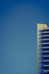 Paris_1119-38 (Mich.Ka) Tags: paris building esapacenégatif grafic graphique immeuble ligne line minimalism minimalisme minimaliste negativespace quaideseine simple îledefrance