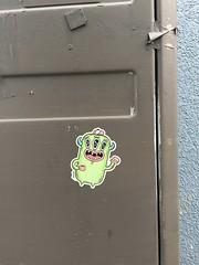 Barnslig (December 2019) (svennevenn) Tags: gatekunst streetart bergen stickers barnslig