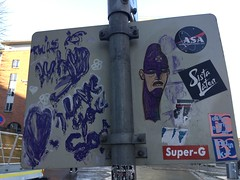 Nute 2019 (svennevenn) Tags: gatekunst bergen streetart nute viceroynutepasteups