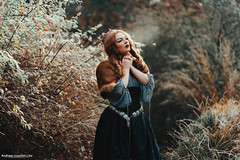 Take My Breath Away (Andreas-Joachim Lins Photography) Tags: andreasjoachimlins ancient batis28135 berggarten carlzeiss e fantasy fashion female frozen girl hannover jumerianox outdoor people portrait woman young zeiss