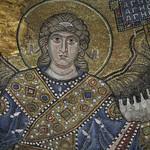 19 Ангел в центральном куполе. Мозаики Софии Киевской.
