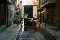 Kodak Gold 200 - 57 (kc_tinari) Tags: philadelphia philly film filmphotography lensblr kodakgold200 gold200 35mm 35mmfilm colorfilm streetphotography minoltarivazoom minoltafreedomzoomexplorer pointandshootcamera minolta