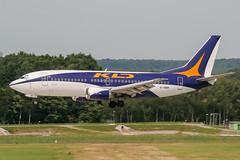 EI-DMM (PlanePixNase) Tags: aircraft airport planespotting haj eddv hannover langenhagen kd avia kdavia boeing 737 737300 b733 733