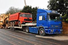 Italian Islanders (ekawrecker) Tags: truck lorry excavator camion malta maltese v8 komatsu pc340