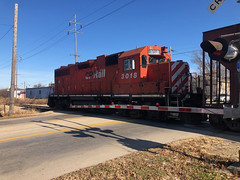 New Locomotive in Town-CP Crossing 15th Avenue Rockford IL December 6 2019 (Tom J. Burke) Tags: rockford il cp cprail canadianpacific train