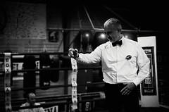 46066 - Referee (Diego Rosato) Tags: boxe boxing pugilato boxelatina ring match incontro nikon d700 tamron 2470mm rawtherapee blackwhite bianconero arbitro referee
