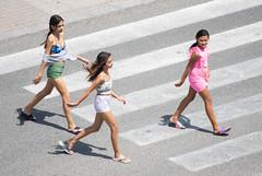 Viandantes 17 (dorieo21) Tags: girl fille ragazza bambina chica mädchen streetphotography people gente gens