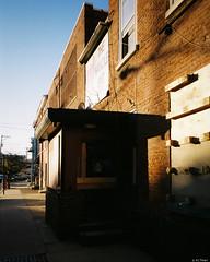 Kodak Gold 200 - 62 (kc_tinari) Tags: philadelphia philly film filmphotography lensblr kodakgold200 gold200 35mm 35mmfilm colorfilm streetphotography minoltarivazoom minoltafreedomzoomexplorer pointandshootcamera minolta