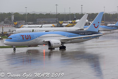 DSC_6207Pwm (T.O. Images) Tags: gtuih tui boeing 787 dreamliner man manchester