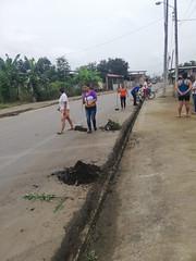 Vecinos de todas las edades participaron de la limpieza de su ciudadela (GadChoneEC) Tags: vecinos todas edades participaron limpieza ciudadela