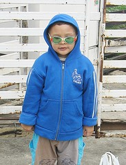cold season fashions (the foreign photographer - ฝรั่งถ่) Tags: boy child glasses jacket khlong thanon portraits bangkhen bangkok thailand canon