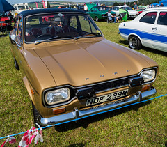 (forestiii) Tags: autophotography auto ladybank fife favvo classiccars classicvehicles carshow cars classiccarshow classics carphotography vehicles vintagevehicles vintagecars scotland scottishclassics scottishphotography scottishcarshow motorshow motoring originalphotography outdoors 2019 summer