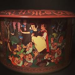 Snow White tin (the ghost in you) Tags: snowwhite snowwhiteandthesevendwarfs disney