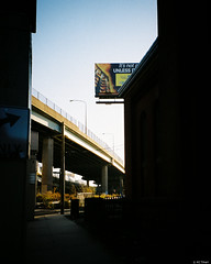 Kodak Gold 200 - 68 (kc_tinari) Tags: philadelphia philly film filmphotography lensblr kodakgold200 gold200 35mm 35mmfilm colorfilm streetphotography minoltarivazoom minoltafreedomzoomexplorer pointandshootcamera minolta