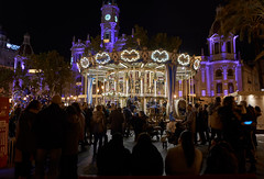 Plaza Ayuntamiento (pedromm3) Tags: streetphoto night people family baby cristmas carrousel