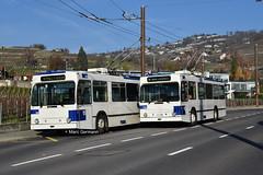 Trolleybus NAW BT-25 n°752 en L Bus - Ecole et Trolleybus NAW BT-25 n°780 en service sur la ligne 9. © Marc Germann (Marc Germann) Tags: trolleybusnawbt25 retrobus leman tl lausanne transportspublics remorques ligne9 ligne2 man articulé articulation mercedescitarobenz convois hessag hesskièpe nawhesssiemens joj2020 transport tramways bus par brise routes
