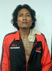 cold season fashions (the foreign photographer - ฝรั่งถ่) Tags: oct42015nikon young man jacket towel khlong lard phrao portraits bangkhen bangkok thailand nikon d3200