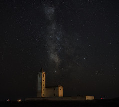 Una noche en Las Salinas. (mariacabo65) Tags: noche iglesia vialactea estrellas almeria cabodegata españa