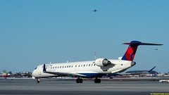 P3252820-2 (hex1952) Tags: yul trudeau usa delta deltaconnection bombardier crj