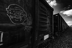 (o texano) Tags: houston texas graffiti trains freights bench benching clawhammer moniker