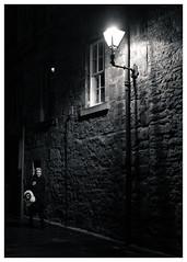 Backstreets, Royal Mile, Edinburgh (S.R.Murphy) Tags: edinburgh fujifilmxf35mmf2 night nov2019 urban urbanlandscape fujifilmxt2 nightphotography socialdocumentary streetphotography bw blackandwhite monochrome bnw people