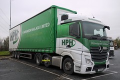 Photo of Mercedes Actros 2548 - Thurrock