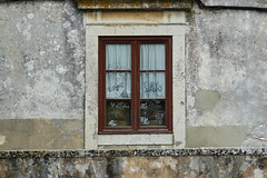 Abandonnée (hans pohl) Tags: portugal setubal azeitao architecture fenêtres windows graphities tags