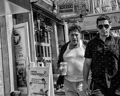 Manhattan, 2018 (Alan Barr) Tags: newyork newyorkcity newhyorkcity manhattan nyc 2018 street sp streetphotography streetphoto blackandwhite bw blackwhite mono monochrome candid city people panasonic gx85
