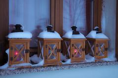 Die zweite Kerze brennt... (Mariandl48) Tags: diezweitekerzebrennt laternen laterne kerzen fenster adventstimmung sommersgut wenigzell seiermark austria