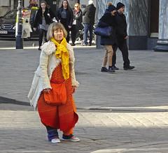 United Colors (Hindrik S) Tags: lady asian orange red candid streetphoto strasenfotografie straatfotografie strjitfotografy wenen wien vienna 2019 sonyphotographing sony dschx90v urban color colorful colour couleur farbe people leute menschen mensen minsken