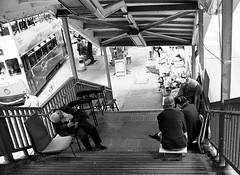 (a.pierre4840) Tags: olympus om3 zuiko 35mm f2 35mmfilm ilford ilfordhp5 hp5 hp5plus bw blackandwhite noiretblanc streetphotography candid stairs hongkong