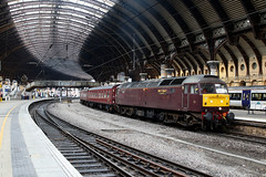 47851 1Z74 york station plt5 07.12.2019 (Dan-Piercy) Tags: wcrc class47 47851 47854 york station plt5 1z74 hull edinburgh theedinburghpullman spiritofthelakes charter ecml