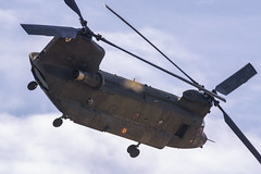 CFR5654  Boeing Vertol CH-47d Chinook (Carlos F1) Tags: nikon aircraft airplane aeroplane avion aeronave festaalcel airshow festivalaereo festival planespotter spotting lleida lerida ild helicoptero helicopter famet boeing vertol ch47d chinook ht1703 et403 alguaire spain