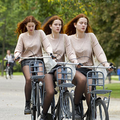 we (Henk Overbeeke Atelier54) Tags: girl street candid bike bicycle bicicletta fiets fahrrad vélo longhair red nylons miniskirt leather drmartens earphone