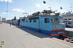 VL60-1951 Odessa (Кевін Бієтри) Tags: vl601951 odessa vl60195 odesa ua ukraine ukraïna train zug treno trench ukrzalyznytsia ukrzaliznytsia uz d3200 d32 d32d nikond3200 nikon kevinbiétry kevin spotterbietry kb