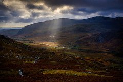 Galt Yr Ogof and the Ogwen Valley (Graeme Tozer) Tags: ogwen mountains galtyrogof sunrays wales snowdonia
