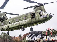 Coming In Hot (Floris M. Oosterveld) Tags: chinook helicopter royal netherlands air force photography military aviation chopper boeing koninklijke luchtmacht rotor sling loading lifting heavy deelen base training machine division schnelle krafte luchtmobiel brigade cooperation germany