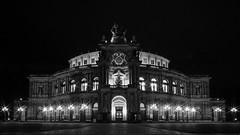 Semperoper in Dresden (Ina Hain) Tags: bw night dresden nacht kultur sightseeing sachsen architektur altstadt elbe semperoper schwarzweis sony samyang12mm sonyalpha7m2