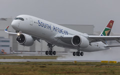 A350-941, South African Airways, ZS-SDF (MSN 365) (Mathias Düber) Tags: spotter canon flugzeuge aircraft planespotting aviation planelovers planespotters aviationdaily planepictures aviationphotography jets luftfahrt airbus airbuslovers a350 southafrican saa zssdf south african airways