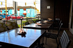 The Patio at Acacia (pjpink) Tags: acacia restaurant patio alfresco dining tables chairs fandistrict thefan rva richmond virginia october 2019 fall pjpink 2catswithcameras