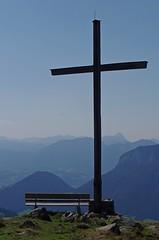 Holy view (José Kroezen) Tags: holyview view mountains mountainfiew mountainview mountain bench austria scheffau kaiserwelt cross summer k30 pentaxk30 pentax 55300mm 55300mmlens