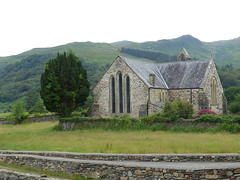 Church Near 'Gelert's Grave' (Marit Buelens) Tags: eu uk britain wales cymru snowdonia nt nationaltrust footpath walk gelertsgrave celticcross wall building church kerk kirche église churchofstmary cemetery mountain hill beddgelert village graveyard churchyard tree